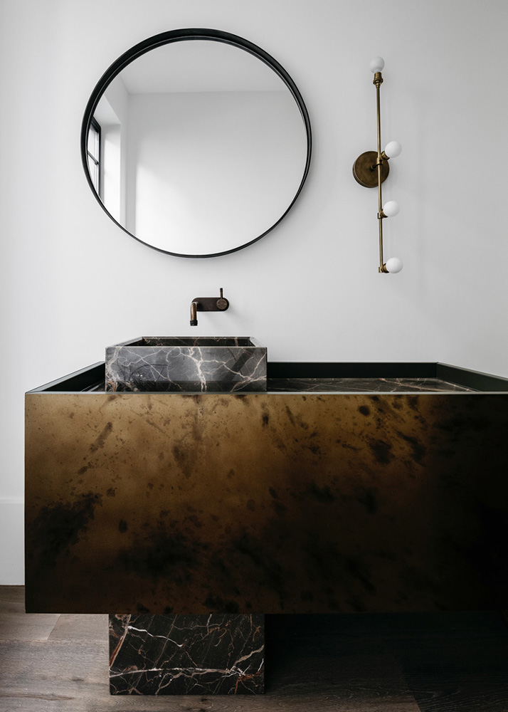 Mirror Frame in Brass Florentine | Photo by Felix Forest