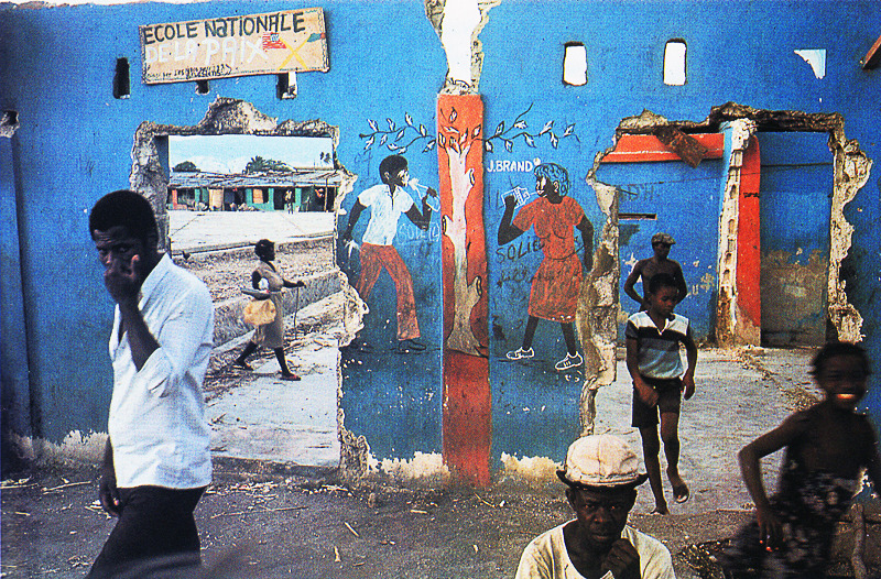 street-scene-in-haiti-©-1986-by-alex-webb.jpg