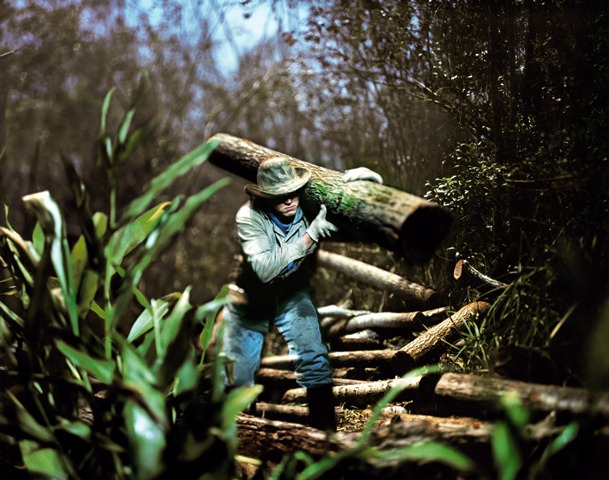 THE PARAGUAYANS.  Photo: Alejandro Chaskielberg