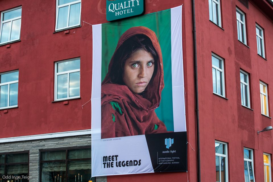 Banner_Quality Hotel Grand_Steve McCurry_2.jpg