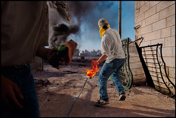 Nachtwey_Ramallah_2000.jpg