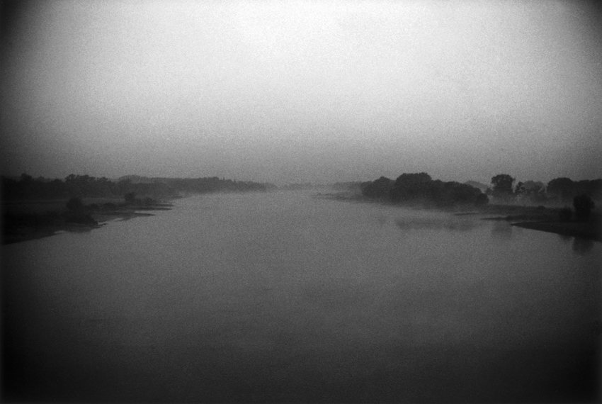 Donata Wenders_The River_Frankfurt Oder 2006_low.jpg