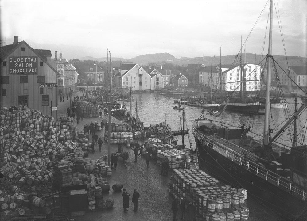 The harbour in Kristiansund.Photographer: G. Sverdrup image owner: Ketil Sverdrup