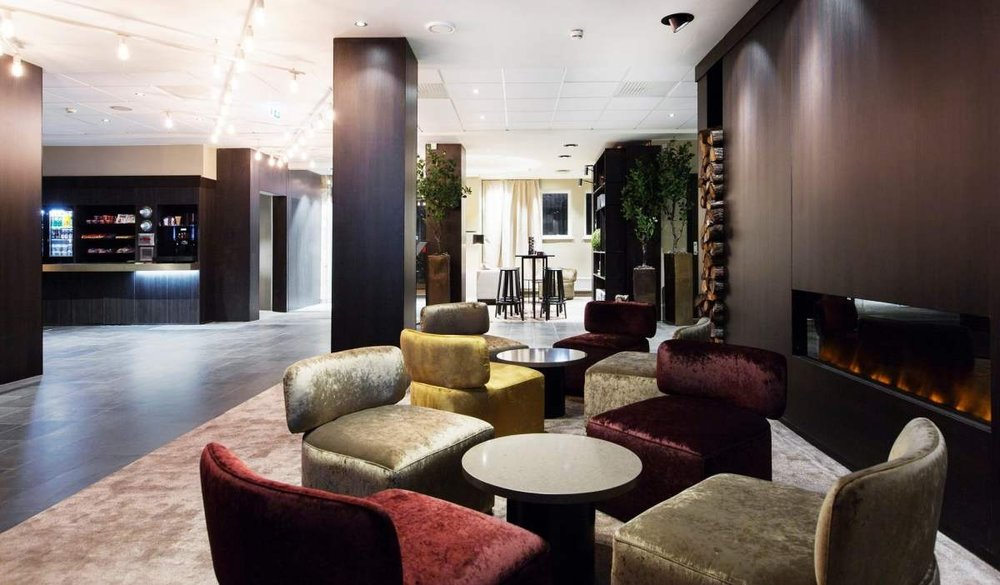 The hotel lobby invites you to sit down, relax, and unwind. Photo: Nordic Choice Hotels.