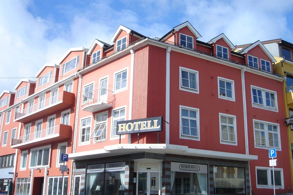 Astoria Hotel offers a comfortable stay at reasonable prices, 5-7 minutes walk from the festival hub. Photo: Astoria Hotel.