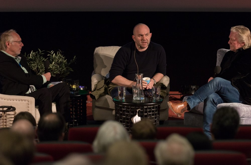 Den norske motefotografen Sølve Sundsbø i samtale med Morten Krogvold og Mikkel Aaland. Foto: Tommy Rustad
