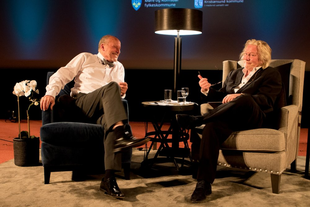 Morten Krogvold som vert for Ansikt til Ansikt, her i samtale med nå avdøde Per Fugelli under Nordic Light 2016.Foto: Wigdis Wollan ©