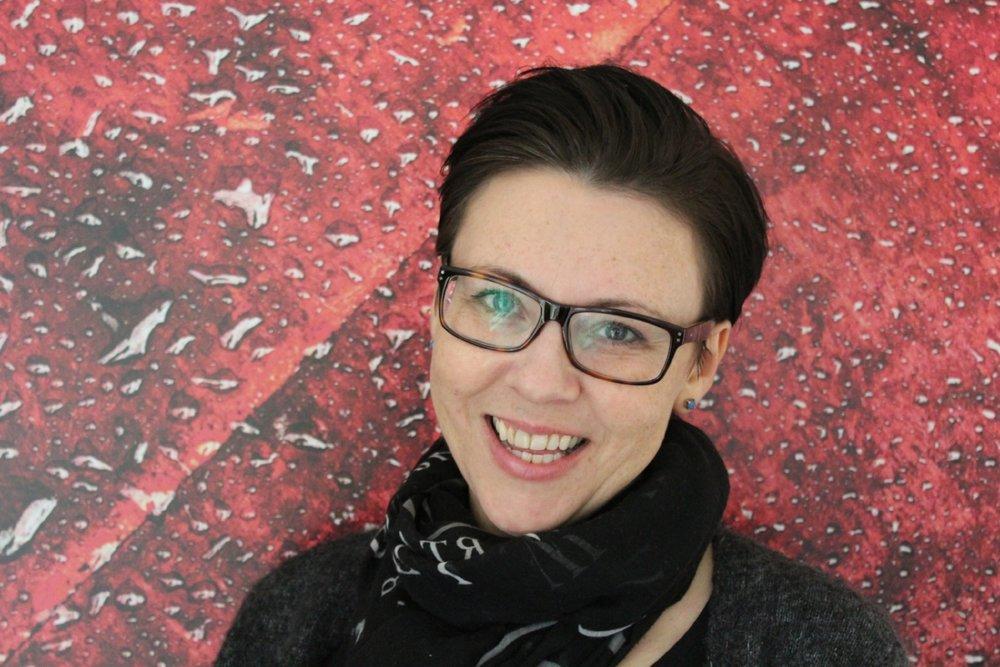 Johild Kosberg Bredin er festivalsjef i Bjørnsonfestivalen og skal samtale med Morten Krogvold når han er gjest i kveldsshowet Ansikt til Ansikt. Foto: Sara Bredin ©