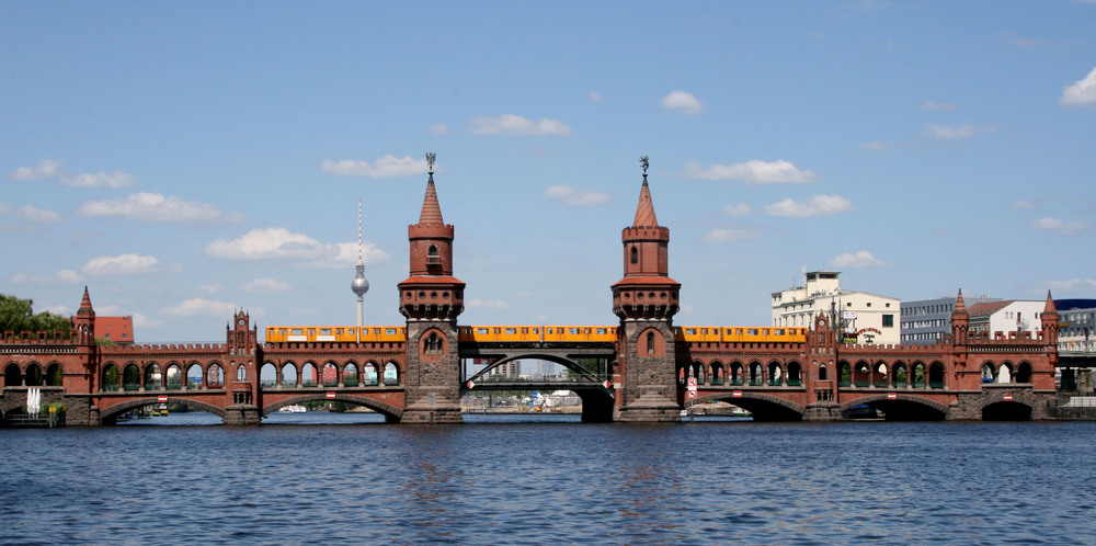 Oberbaumbrücke - photograph from Wikipedia