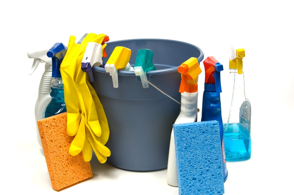 Cleaning-supplies-with-bucket.jpg