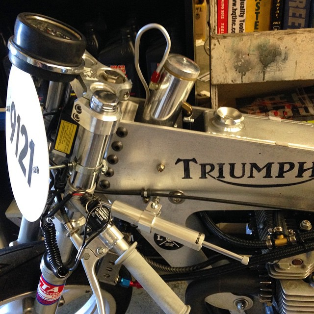 #motorcyclelife #triumph #suportheindependents @triumphamerica @thespeedmerchant @continental_tire