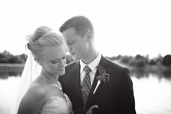 Festhall-Barn-Wedding-Amana-Colonies30pp_w675_h450
