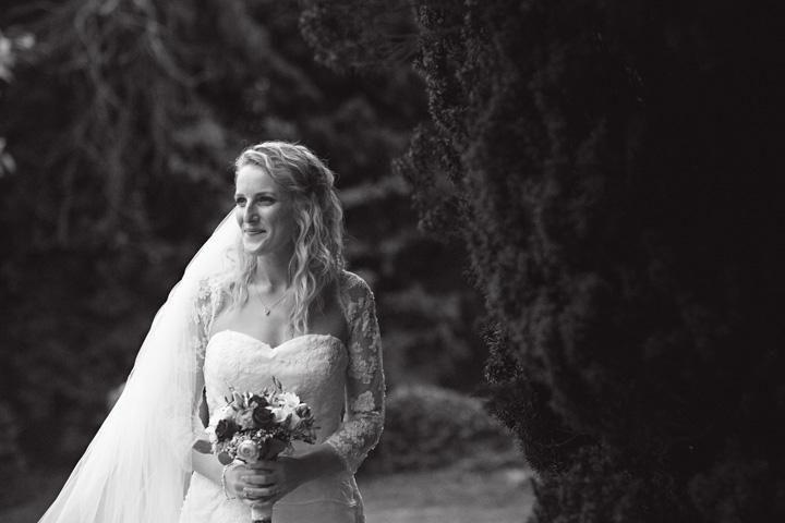 wedding photo at yew lodge surrey england006.JPG