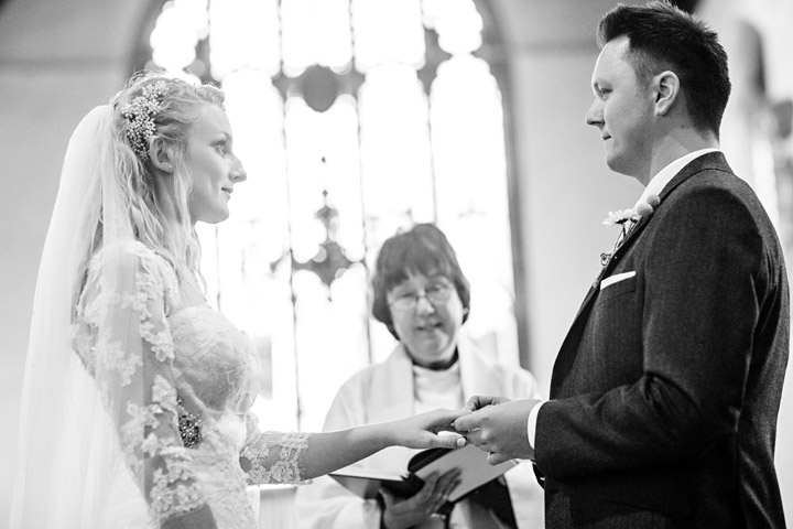 yew lodge wedding in surrey england033.JPG