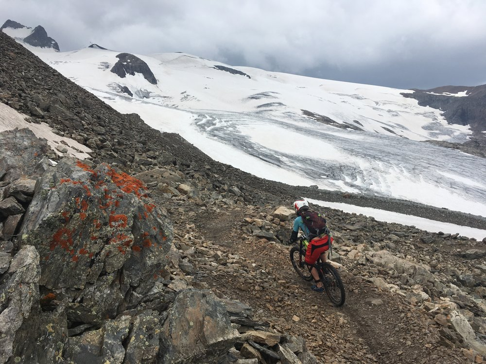 """Near the top of """"King Stone Road"""" trail. The beginning of a 1750m/5740ft descent!"""