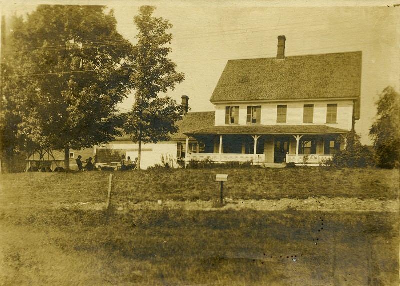 bishop farmhouse.1600x1200.jpg