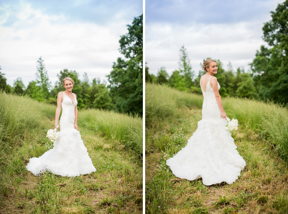 bridal-portraits-in-field.jpg