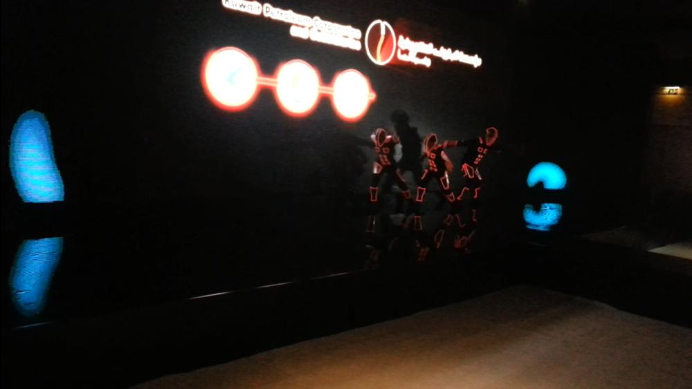 Kuwait show (0-03-12-01).jpg