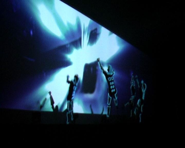 XT-launch-show2009 (0-07-46-24).jpg