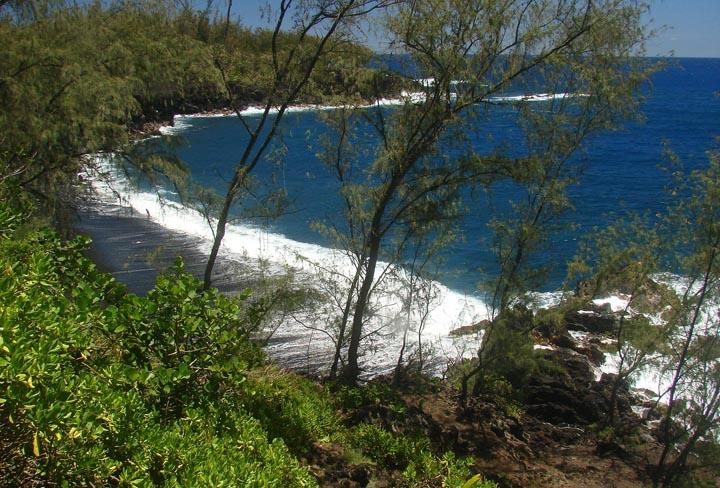 03_Kehena Beach from Cliffs.jpg