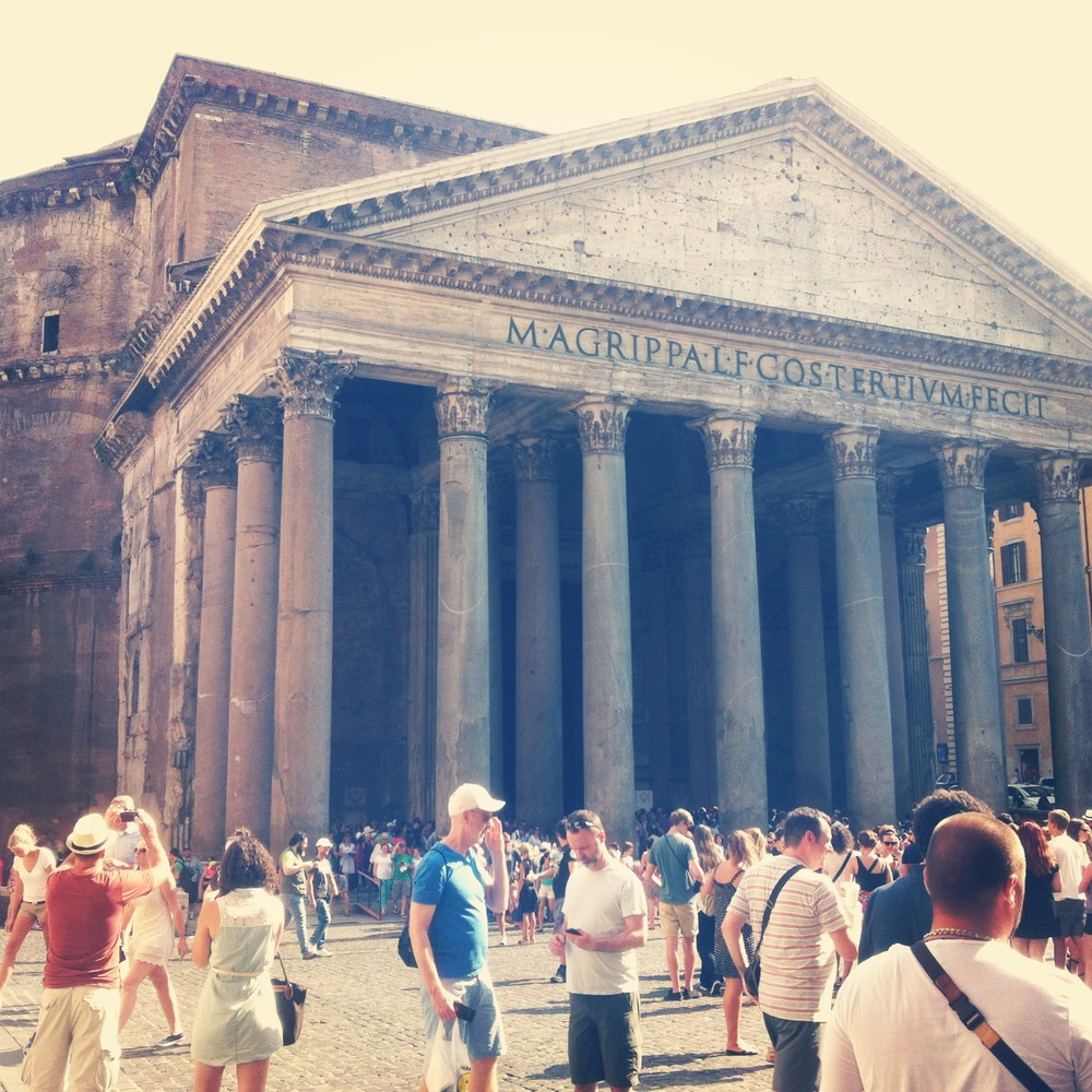 One of my favourite buildings in Roma, The Pantheon, Italy