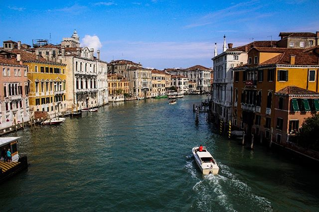 The main canal in Venice, Italy To see more of Venice go here https://youtu.be/FlqhO7MdT20 #venice #italy #veniceitaly #europe #europetravel #europeanadventure #kiwi #nicknewton #nicholasnewton #eurotrip #adventure #travel #travelblogger #blogger #europeanculture #culture #talesofawanderingkiwi #globetrotter #worldtraveler #travelgram #worldtravel #worldtravelpics #canal #thatview #summer #photography #travelphotography #venicetrip
