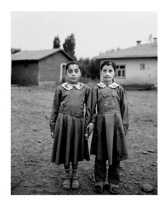 "Photos : "" Sweet Nothings:Schoolgirls of Eastern Anatolia "" © Vanessa Winship"