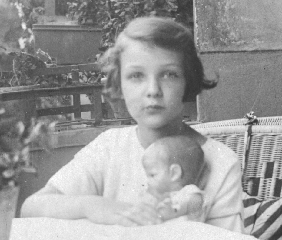 charlotte1925.jpg