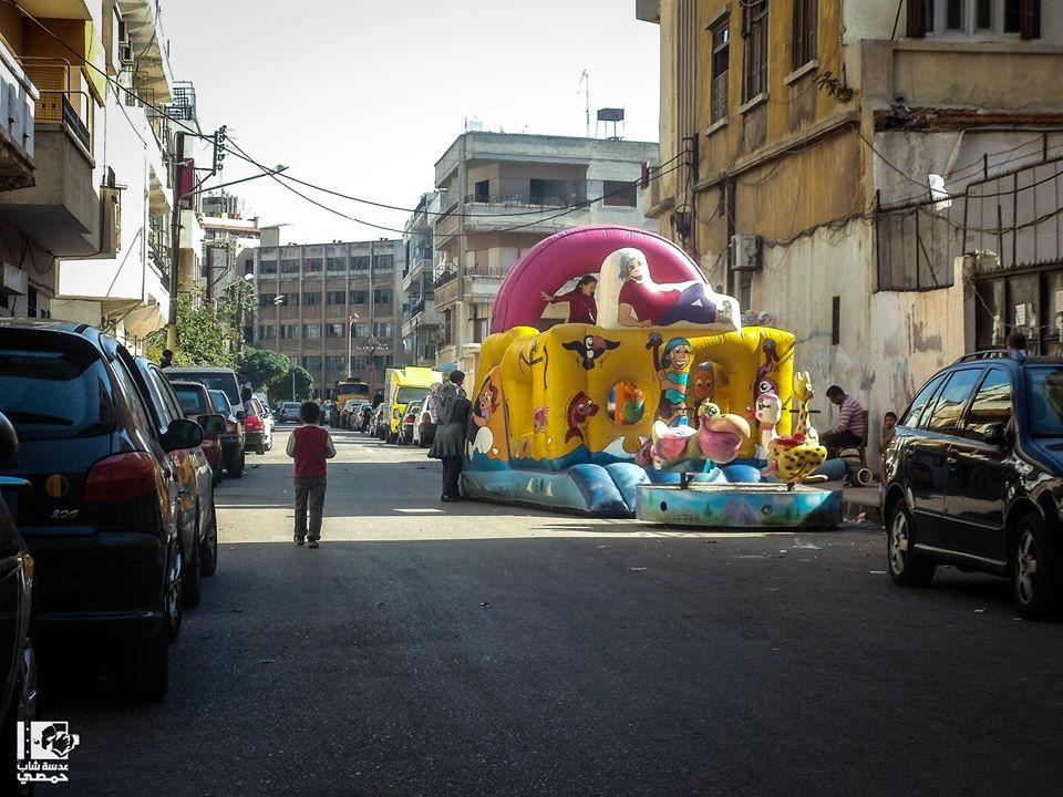 المكان: حـمــص - حـــي الـغـوطــــــة Location: Homs City - Al-Ghota Neighborhood الزمان: اليوم - 17 تشرين الأول 2013 Date: Today - 17 October 2013