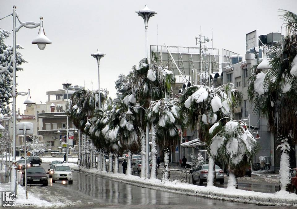 المكان: حـُـمــص - حــيّ الــمـلــعـــب الزمان: اليــوم - 12 كـانــون الأول 2013 Location: Homs City - Al-Mala'ab Neighborhood Date: Today - 12 December 2013