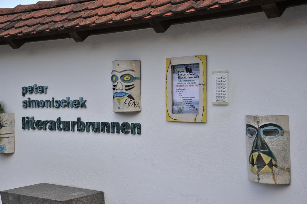 Peter Simonischek Literaturbrunnen Markt Hartmannsdorf