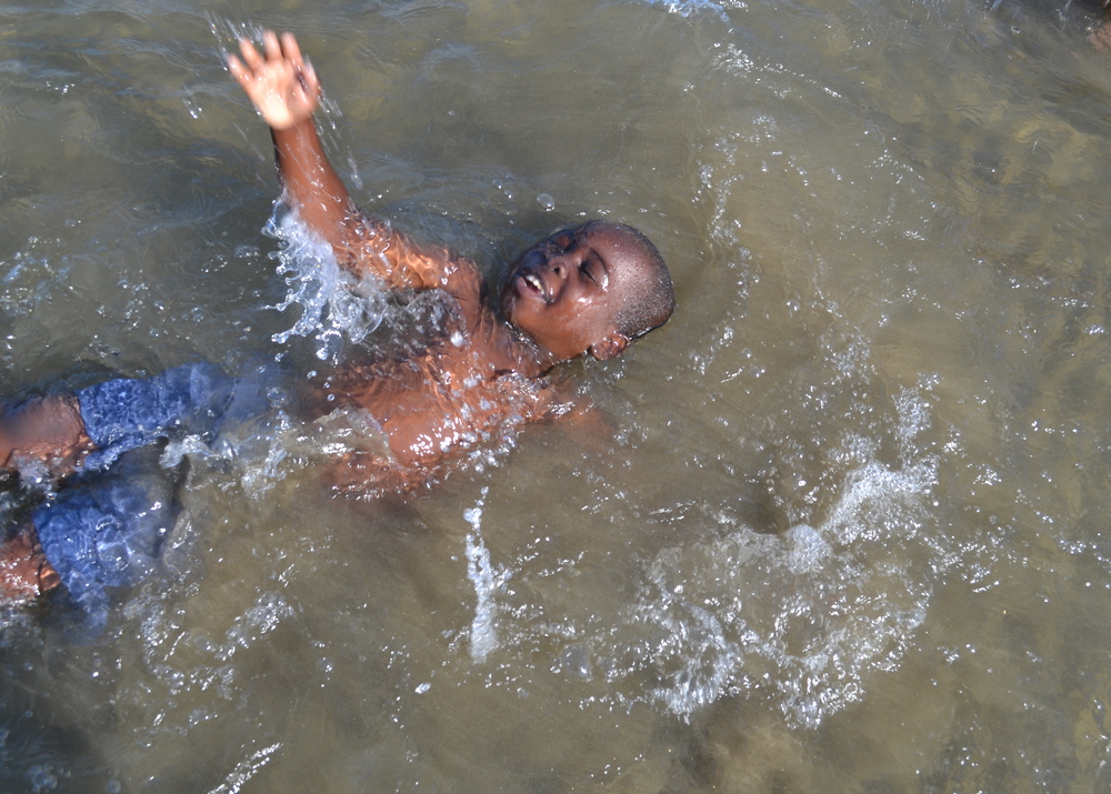 Pure Joy! Josefe falls back into the water!