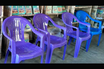 patient_family chairs.jpg