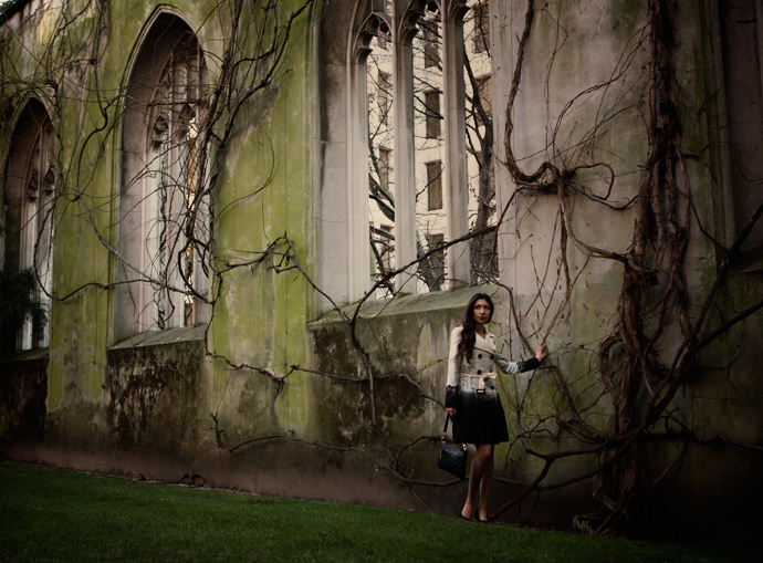 discovering-london-uk-england-stduncans-ruins-church-beautiful-valentino-louis-vuitton-trench-girl-blogger-fashion-blog