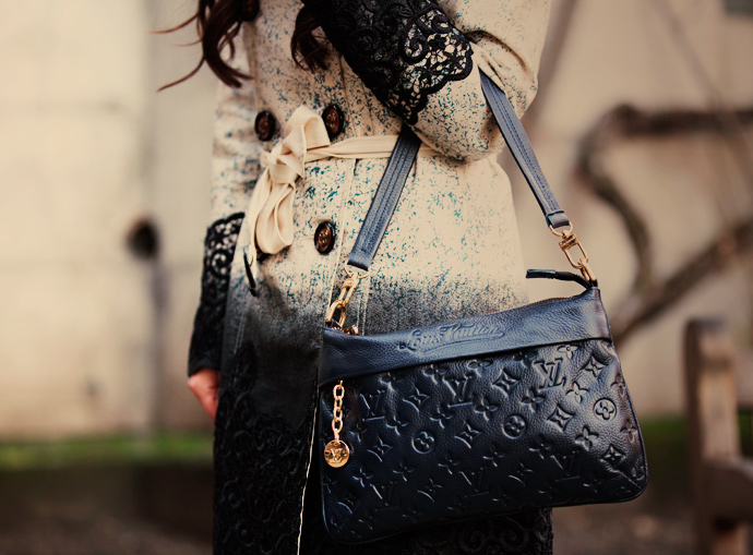 louis-vuitton-bag-blue-black-lace-couture-fashion-baku-london-londres-england-blogger