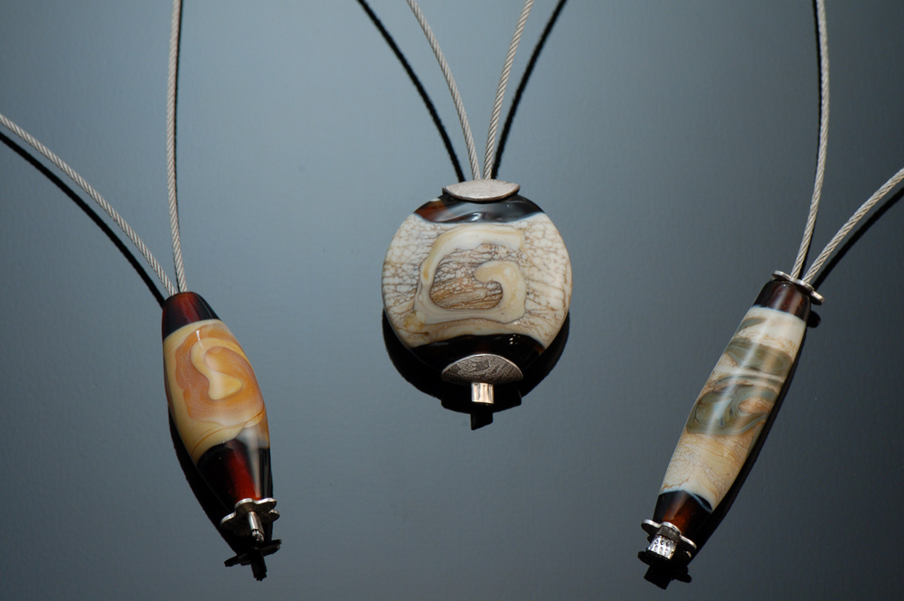 Lampworked bead