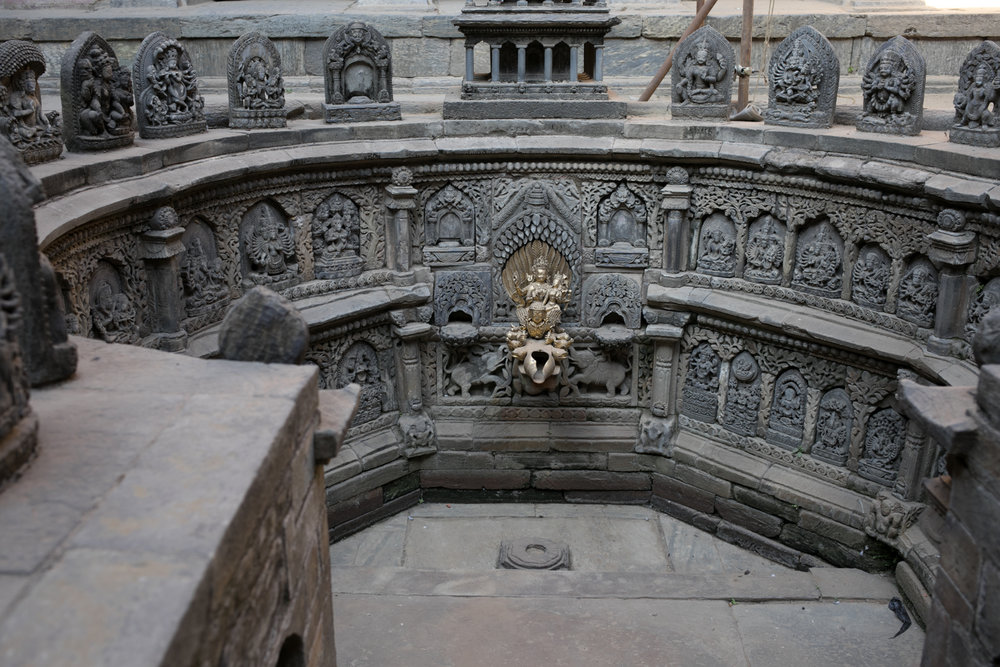 Sundari Chowk courtyard.  The Tushahiti step well.