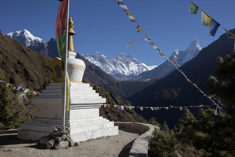 Left to Right: Taboche 6,495 m / 21,309 ft, Nuptse 7,861 m / 25,791 ft, Everest 8,848m / 29,029 ft, Lhotse 8,516 m / 27,940 ft, Shartse 7,457 m / 24,465 ft Ama Dablam 6,856 m / 22,493 ft.(Elevation credit: PeakFinder)