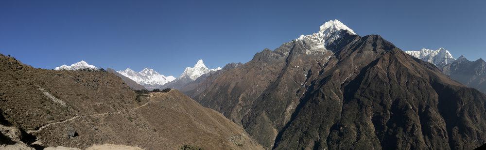 Taboche 6,495 m / 21,309 ft, Mount Everest 8,848 m / 29,029 ft, Lhotse Shar 8,382 m / 27,500 ft, Shartse 7,457 m / 24,465 ft, Ama Dablam 6,856 m / 22,493 ft, Thamserku 6,623 m / 21,729 ft, Kusum Kangguru 6,367 / 20,889 ft. (PeakFinder)