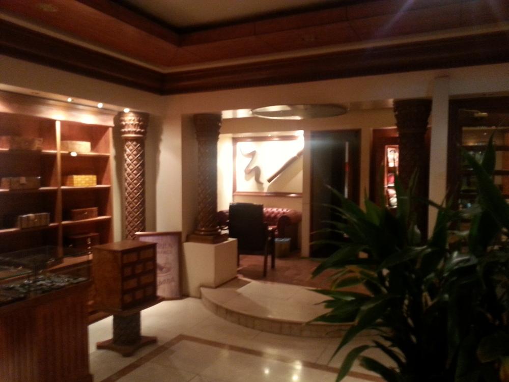 La Casa Cubana's foyer and smoking area.