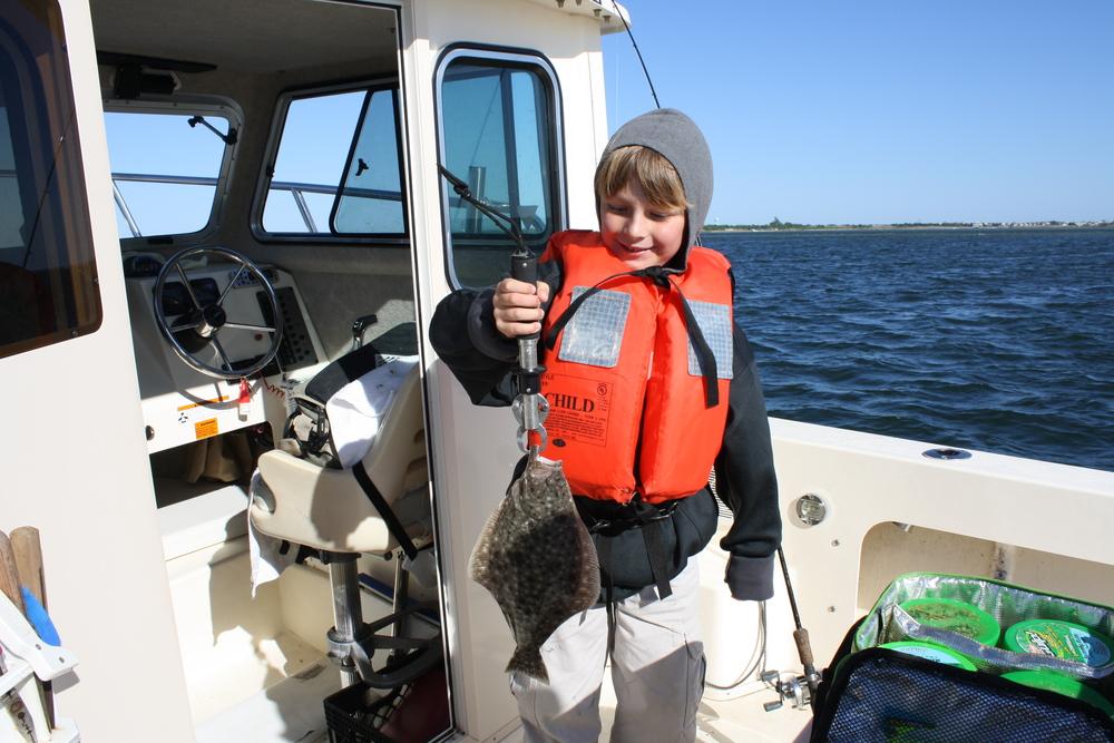 Memorial day weekend fluke slow bite reel reaction for Barnegat light fishing report