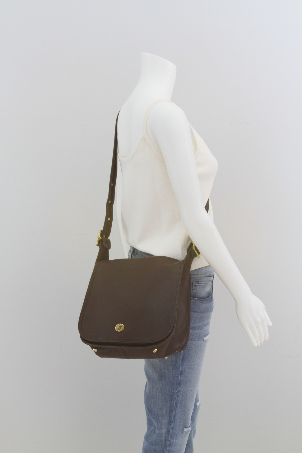 brown coach bag_2.jpg