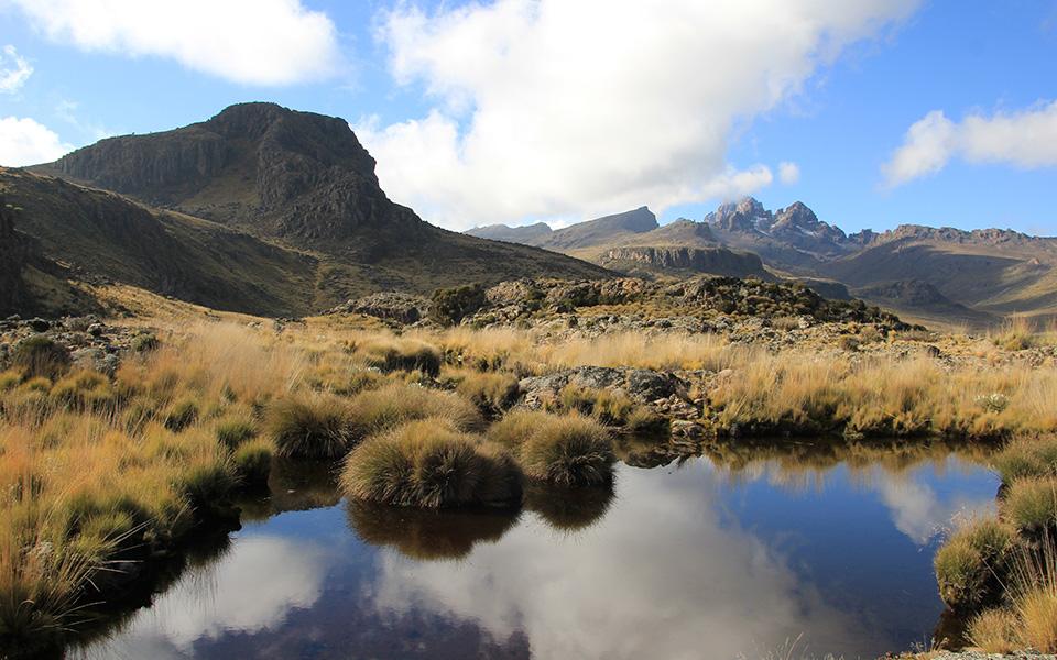 mount-kenya-alpine-lakes.jpg