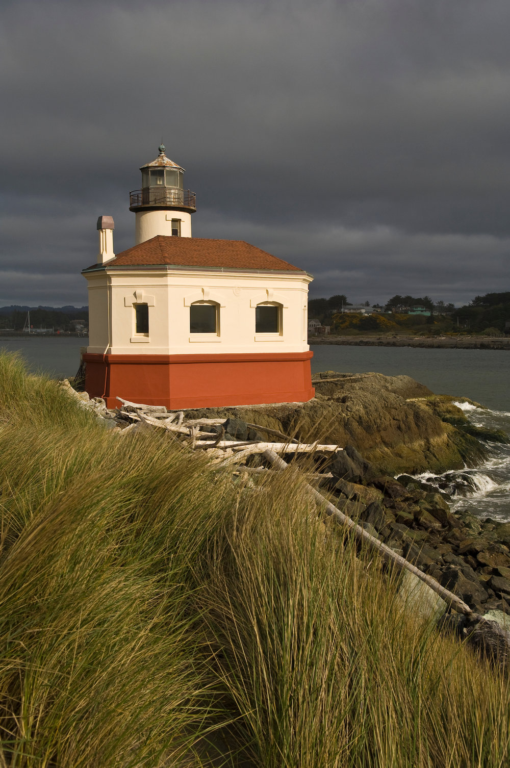 muench-workshops-Coquille-River-Lighthouse.jpg
