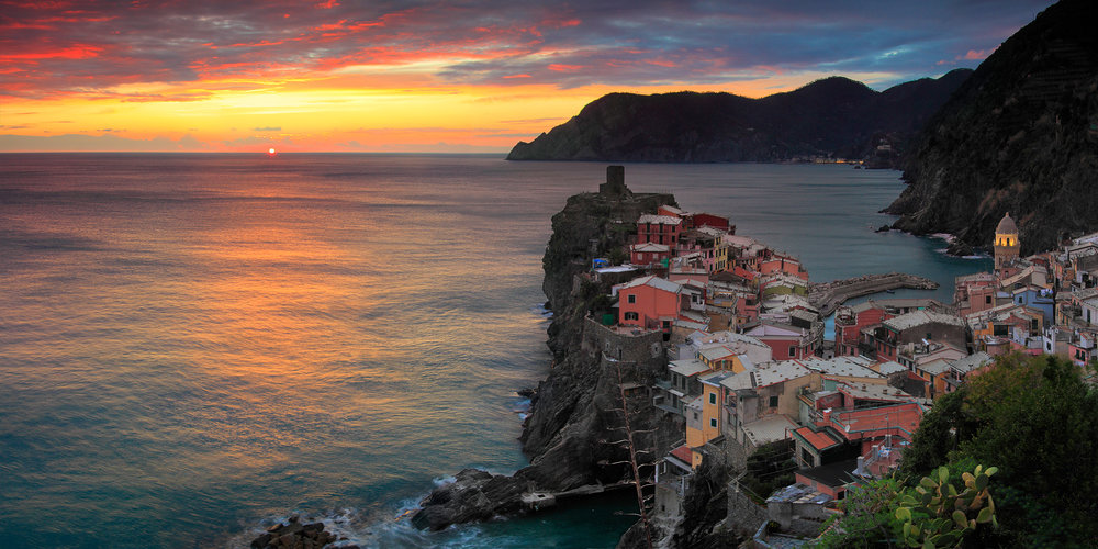 The sailing town - Vernazza, Cinque Terre, Italy