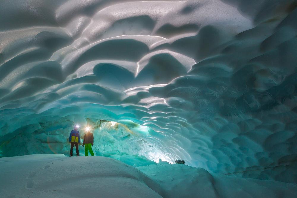 ©Denis Budkov Mutnovsky ice cave Kamchatka.JPG