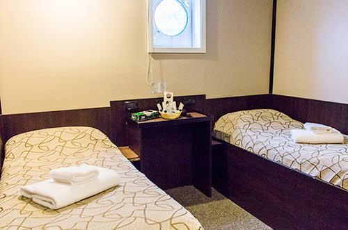 Example of Standard Plus Twin Cabin, Private Bathroom