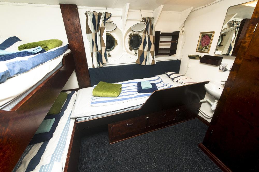 Cabin-#21-DSC_3440.jpg
