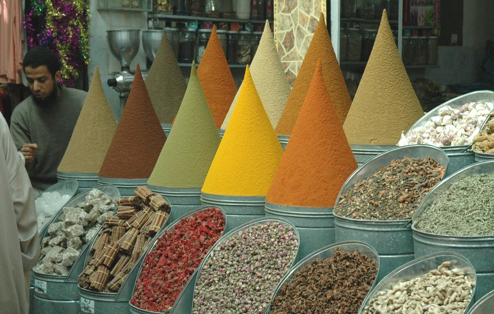 Marrakech-Marrakech market spices 060427.JPG