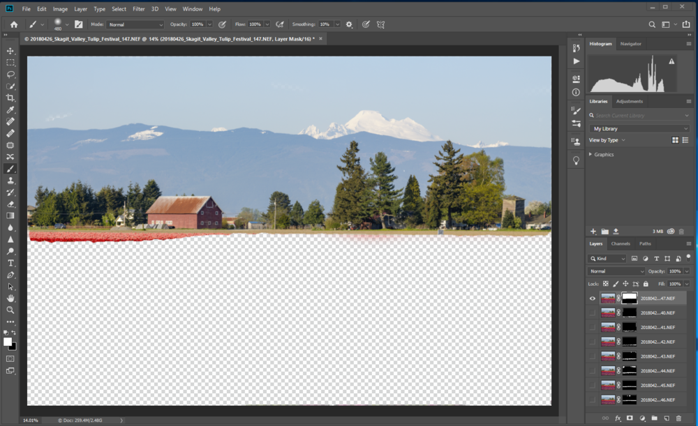 After correcting the layer mask with the Brush tool, the layer at infinity focus with the sky now looks correct.